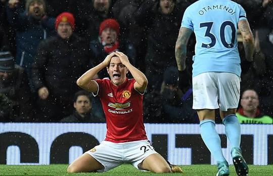 Mourinho tố Man City ăn may - Ảnh 2.