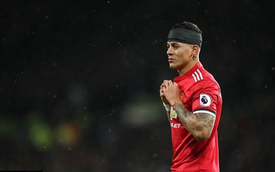 Rojo khoe chấn thương ghê rợn sau trận gặp Man City - Ảnh 4.