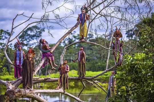 Cận cảnh đời sống của thổ dân nguyên thủy - Ảnh 3.