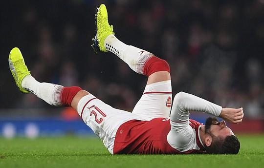 Wenger báo tin buồn về Giroud - Ảnh 1.