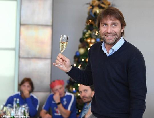 Sao bóng đá nô nức đón Giáng sinh - Ảnh 7.