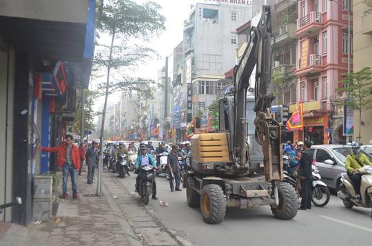 Việc cưỡng chế khiến phương tiện qua tuyến đường Tây Sơn và Nguyễn Lương Bằng gặp nhiều khó khăn