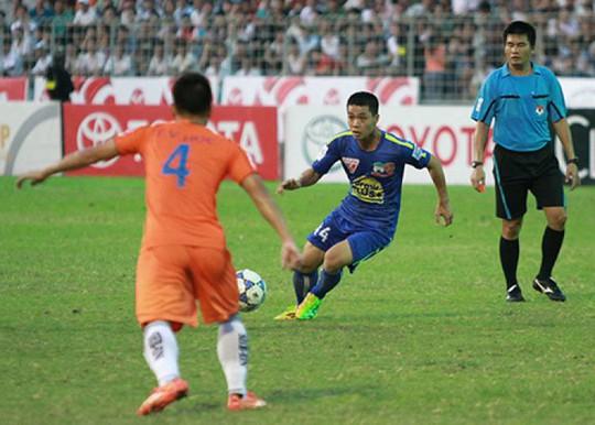 Công Phượng cùng HAGL từng thua SHB Đà Nẵng ở mùa V-League đầu tiên nhưng sau 2 năm, HLV Huỳnh Đức rất lo cho các học trò khi gặp lại HAGL