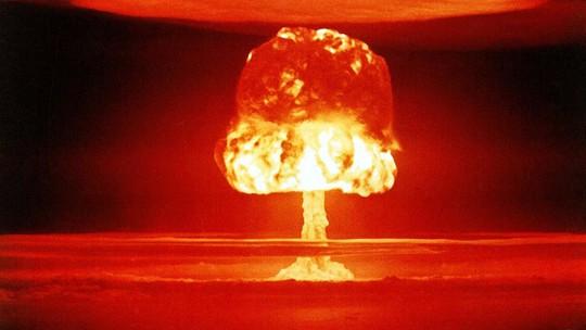 Ngày càng có nhiều người lo sợ nguy cơ nổ ra Thế chiến 3 hay chiến tranh hạt nhân. Ảnh: RT