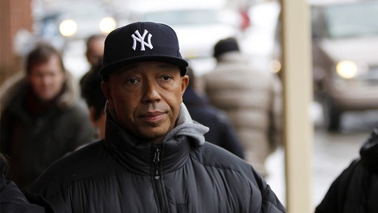 Nghe si Russell Simmons tu chuc sau cao buoc ve tinh duc