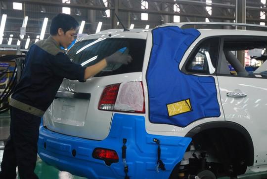 Lắp ráp ô tô tại Nhà máy Trường Hải ở Quảng NamẢNH: ĐÌNH MƯỜI