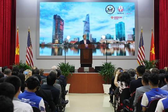 Tại đây, Ngoại trưởng Mỹ đã dành 40 phút để phát biểu về mối quan hệ Việt Nam – Hoa Kỳ