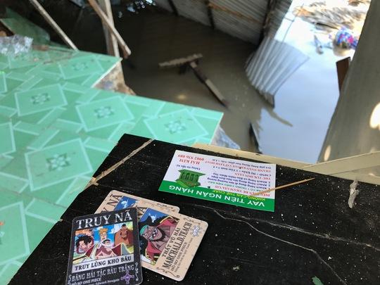 """Giây phút dòng sông """"nuốt"""" 5 căn nhà ở Nhà Bè - Ảnh 2."""