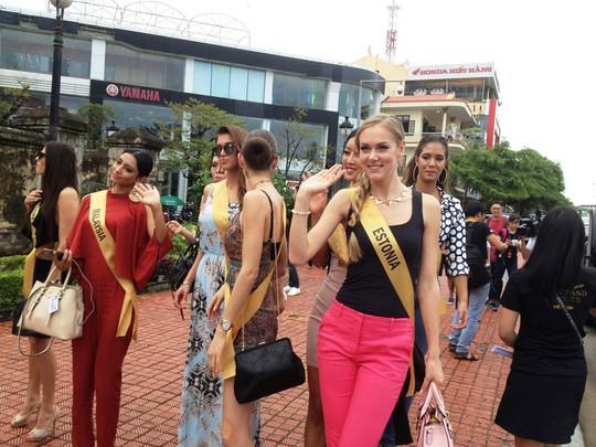 Hoa hậu Hòa bình Thế giới: 76 người đẹp thi trang phục dân tộc - Ảnh 6.