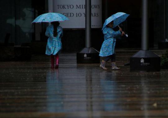 Bão Lan quần thảo Nhật Bản, hơn 130 người thương vong - Ảnh 3.