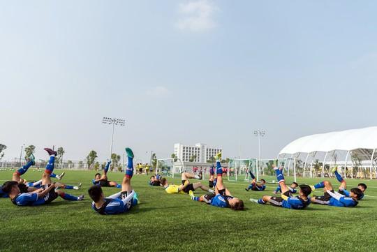 Vingroup sắp khánh thành trung tâm đào tạo bóng đá hàng đầu Đông Nam Á - Ảnh 6.