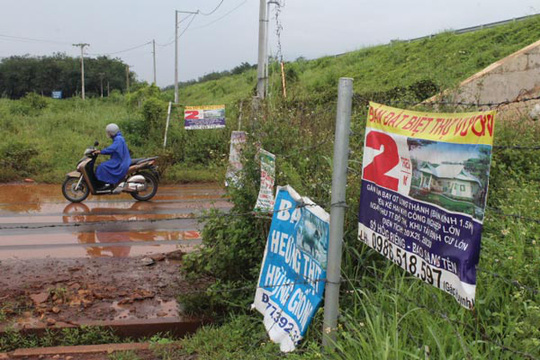 Tuồn đất quanh sân bay Long Thành - Ảnh 1.