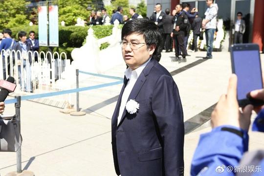 Triệu Hân Bồi vai Hồng Hài Nhi