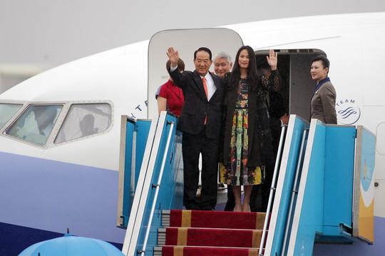 Đoàn đại biểu APEC 2017 đầu tiên đáp xuống Đà Nẵng - Ảnh 3.