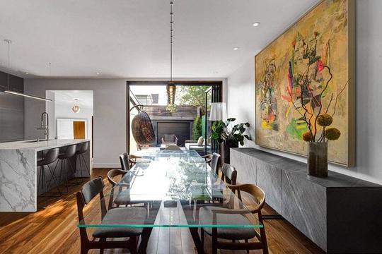 Một không gian hiện đại đến khó tin bên trong ngôi nhà tường gạch - Ảnh 7.