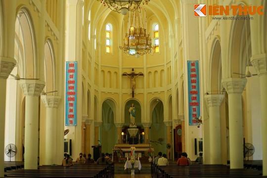 Khám phá nhà thờ Nhọn nổi tiếng ở Quy Nhơn - Ảnh 7.