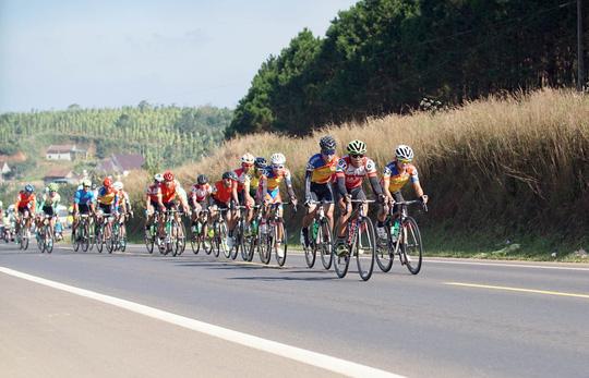 Giải xe đạp truyền hình Bình Dương: Mai Nguyễn Hưng về nhất chặng 7 - Ảnh 3.