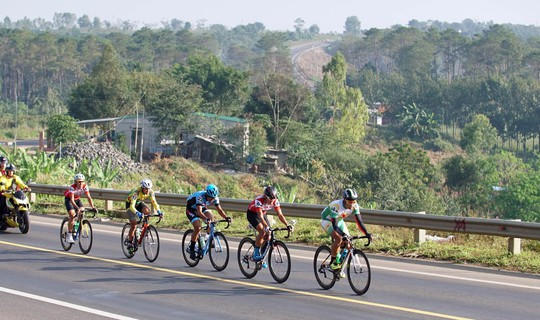 Giải xe đạp truyền hình Bình Dương: Mai Nguyễn Hưng về nhất chặng 7 - Ảnh 2.
