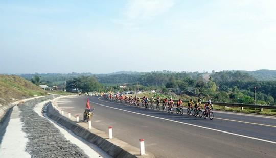 Giải xe đạp truyền hình Bình Dương: Mai Nguyễn Hưng về nhất chặng 7 - Ảnh 4.
