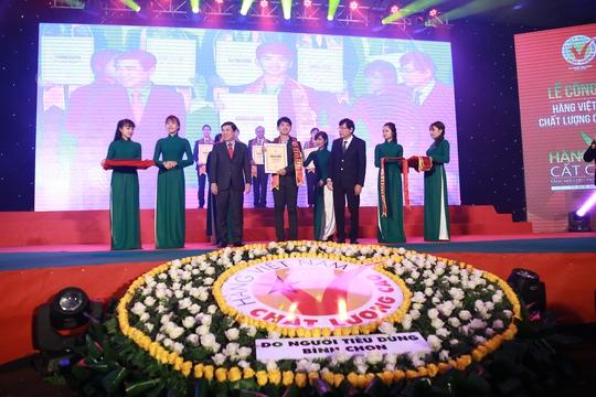 Ông Trần Trung Kiên, Giám đốc Marketing, đại diện công ty nhận giải