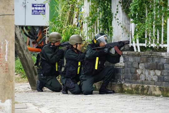 Mãn nhãn trước những bóng hồng bảo vệ an ninh APEC - Ảnh 7.