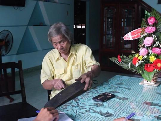 Ông Dương Ngọc Sang, bậc thầy về thẩm âm cồng chiêng Ảnh: ĐỨC CƯỜNG