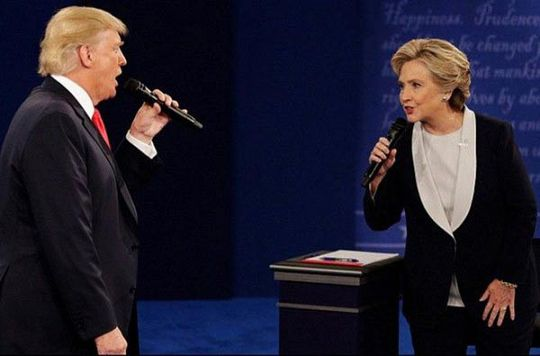 Hillary Clinton - Nỗi đau khôn nguôi (*): Nổi da gà với ông Donald Trump - Ảnh 1.