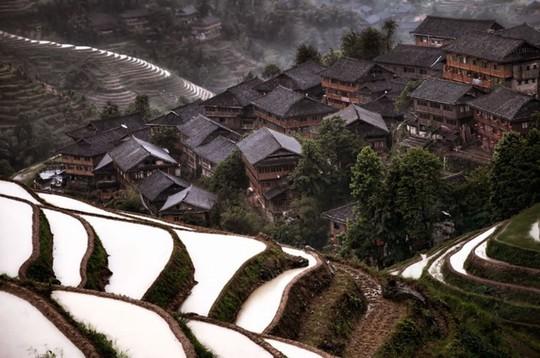 Những ngôi làng đẹp như trong chuyện cổ tích - Ảnh 8.