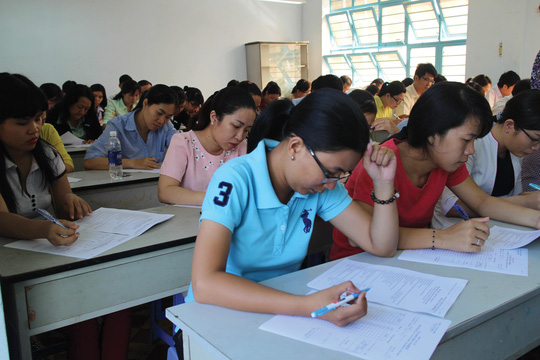 Nữ CNVC-LĐ tham gia hội thi tin học văn phòng do LĐLĐ quận Tân Bình, TP HCM tổ chức