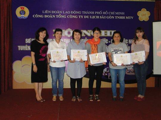 Nữ CNVC-LĐ được tuyên dương cấp tổng công ty