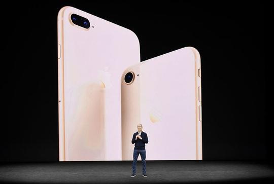 "iPhone 8 ""ế"", cổ phiếu Apple tụt dốc - Ảnh 1."