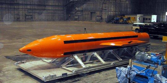 """Từ Tomahawk đến """"siêu bom"""" MOAB (*): Dương đông kích… Nga"""