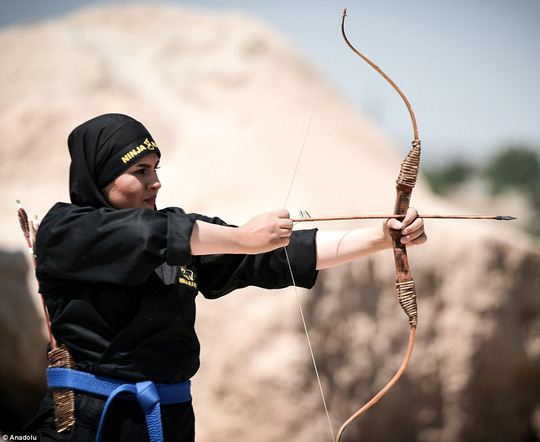 Iran: Đào tạo 4.000 nữ ninja trong sa mạc - Ảnh 5.