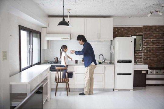 Vì sao các gia đình trẻ ở Nhật Bản chọn lối sống tối giản? - Ảnh 1.