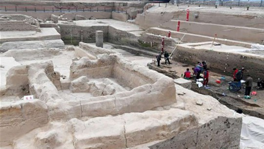 Khu vực khai quật tại TP Khai Phong. Ảnh: SCMP