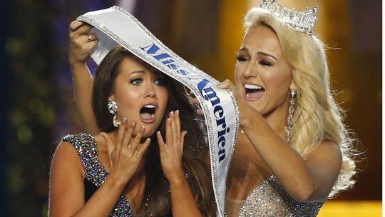 Cận cảnh nhan sắc Hoa hậu Mỹ 2018 - Ảnh 2.