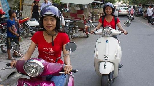 Nhóm Moto Girl, biệt đội xế nữ số 1 Phnom Penh. Ảnh: BBC