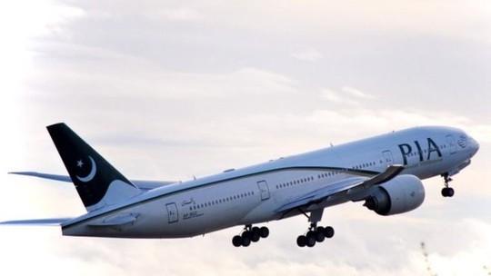 Hãng Hàng không Quốc tế Pakistan (PIA) thừa nhận nhồi nhét 7 hành khách lên chuyến bay hôm 20-1. Ảnh: BBC
