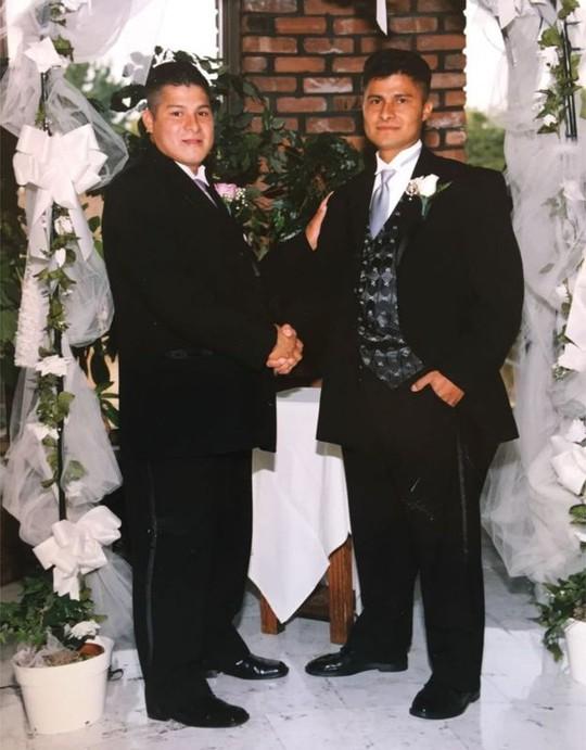 Ông Alcides và em trai Edgar (trái). Ảnh: BBC