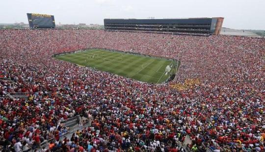 Hơn 10.000 khán giả xem trận M.U gặp Real Madrid ở Michigan năm 2014