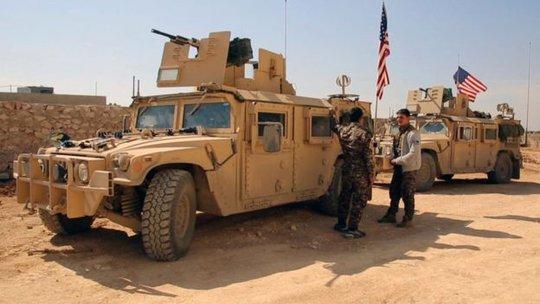 Gần đây, Mỹ đã đưa thêm 400 binh sĩ tới hỗ trợ SDF. Ảnh: AP