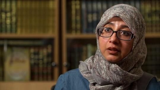 Cô Khola Hasan, thành viên của Hội đồng Hồi giáo Sharia. Ảnh: BBC