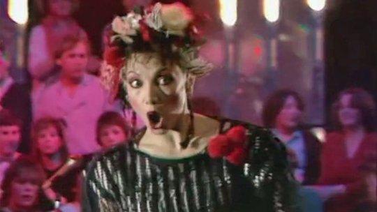 Ca sĩ Toni Basil kiện Disney vi phạm tác quyền - Ảnh 1.
