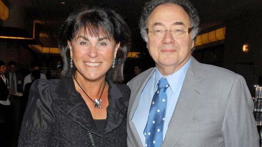 Vợ chồng tỉ phú Canada chết bí ẩn tại nhà - Ảnh 1.