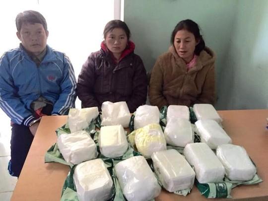 3 đối tượng buôn bán ma túy và tang vật bị Công an Thanh Hóa bắt giữ