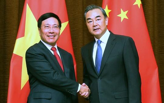 Phó Thủ tướng Chính phủ, Bộ trưởng Ngoại giao Phạm Bình Minh và Bộ trưởng Ngoại giao Trung Quốc Vương Nghị