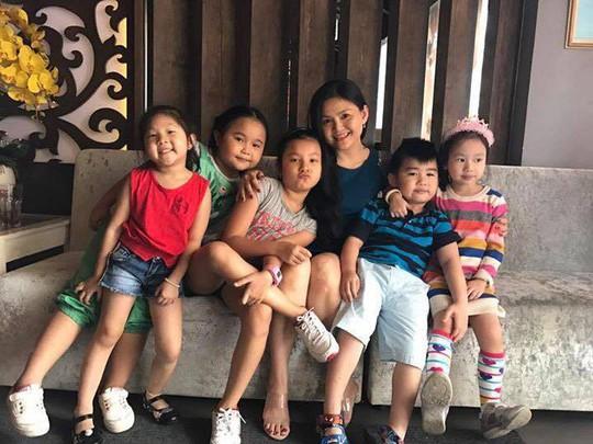 Sau bạo bệnh, NS Xuân Yến họp mặt gia tộc - Ảnh 8.