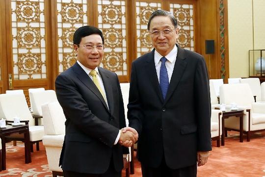 Phó Thủ tướng Phạm Bình Minh hội kiến với Ủy viên thường vụ Bộ Chính trị, Chủ tịch Hội nghị hiệp thương chính trị toàn quốc Trung Quốc Du Chính Thanh