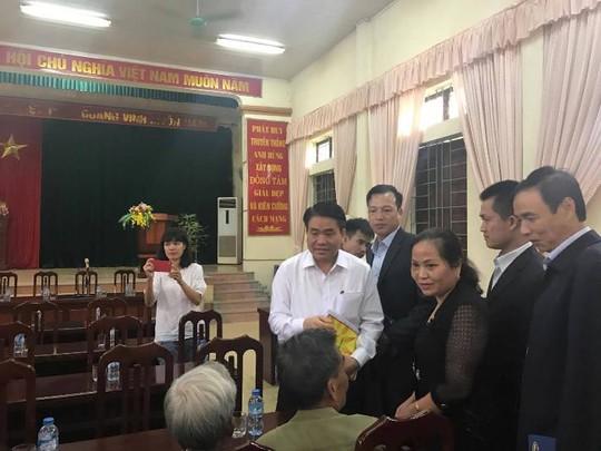 Chủ tịch UBND TP Hà Nội Nguyễn Đức Chung tại hội trường UBND xã Đồng Tâm