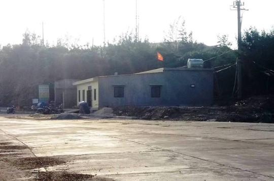 Một công trình xây nhà trái phép ở khu vực cảng Hòn La thuộc địa bàn xã Quảng Đông